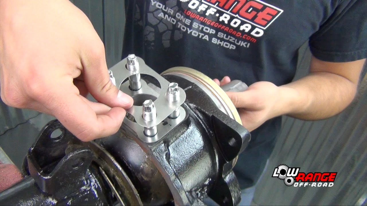How To Rebuild A Toyota 4X4 Solid Front Axle (Part 6) Steering Knuckle  Installation