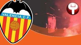 Bengalas, botes de humo e insultos: así recibieron los ultras al Valencia tras perder en Anoeta