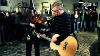 Download lagu Flogging Molly - Whats Left of The Flag @ CORE TV