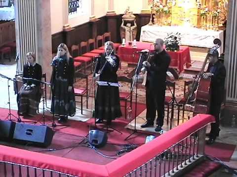 Kovács Nóri-A pünkösdnek jeles napján- Celldömölk 2016 - Hungarian Folkmusic