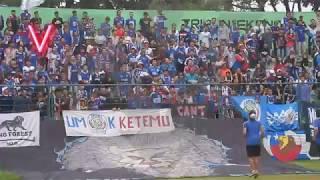 CAKEP!! Koreo Legendaris Aremania Tersaji di Laga Arema Indonesia vs Persida I Full video