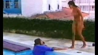 Regina Casé peladona no filme Os 7 Gatinhos de 1980