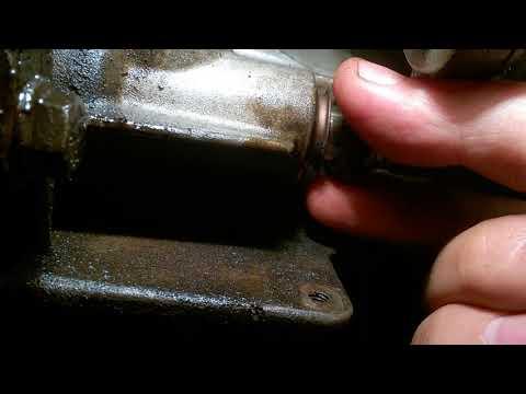 Замена сальника штока коробки передач Ford 1321128 на Ford Focus