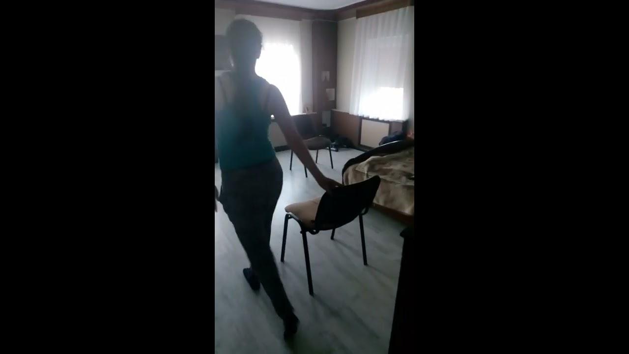 eroticheskiy-privat-tanets-golaya-zhira-zrelaya-baba