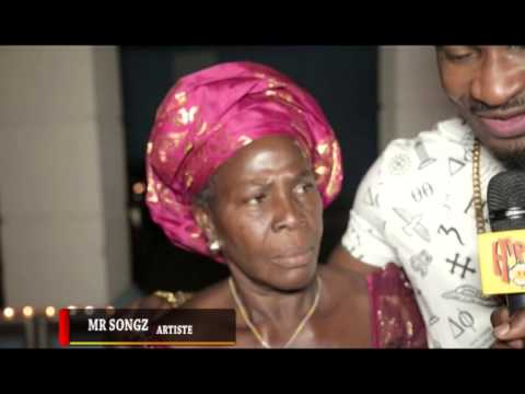 Download HIP TV NEWS - MR SONGZ PERFORMS WITH GRANDMOTHER ON STAGE (Nigerian Entertainment News)