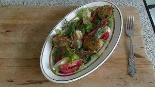 Очень вкусный салат. Овощной салат с хрустящими шариками