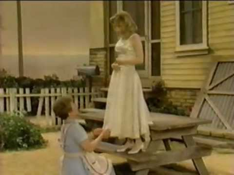 PICNIC starring Jennifer Jason Leigh  1986 cable broadcast of William Inges play