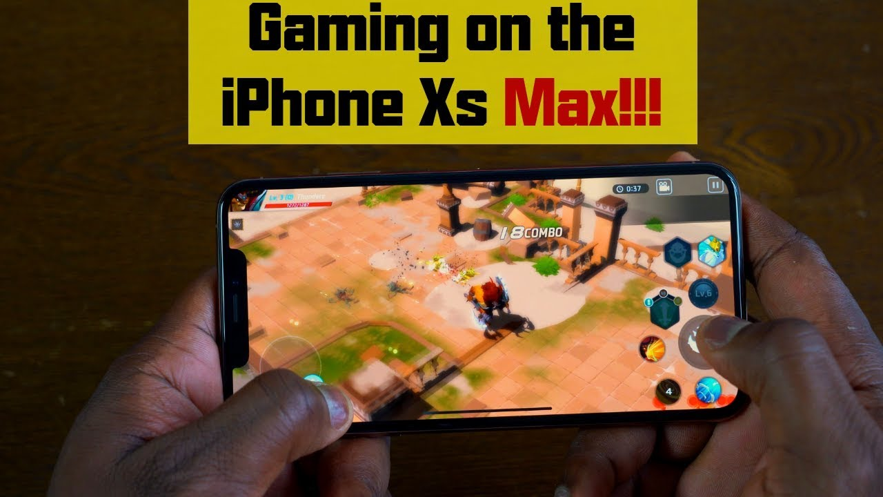 Gaming on the iPhone Xs Max!!!