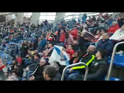 Cientos de seguidores del CD Lugo apoyan a los rojiblancos en Riazor
