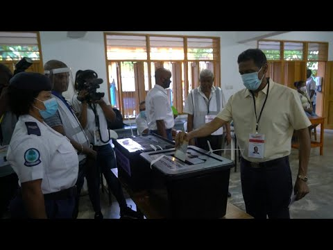Presidential election in Seychelles: polling stations open, president votes | AFP