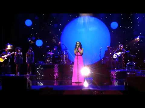 download Rebecca Ferguson - Shoulder to Shoulder Live