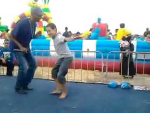 اطفال مغاربة يرقصون باحترافية هههه thumbnail