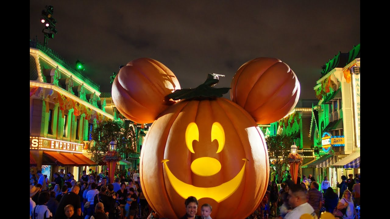 mickey's halloween party at disneyland - youtube