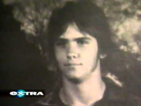 Billy Campbell profiled on Extra (1999)