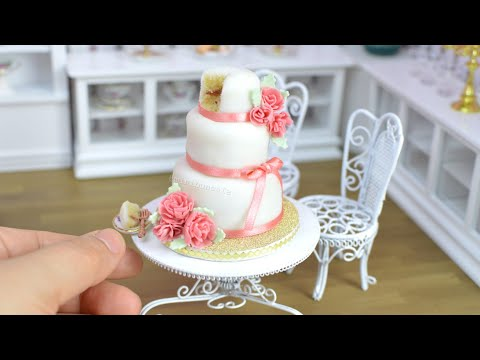 Pink carnation mini fondant wedding cake - mini food