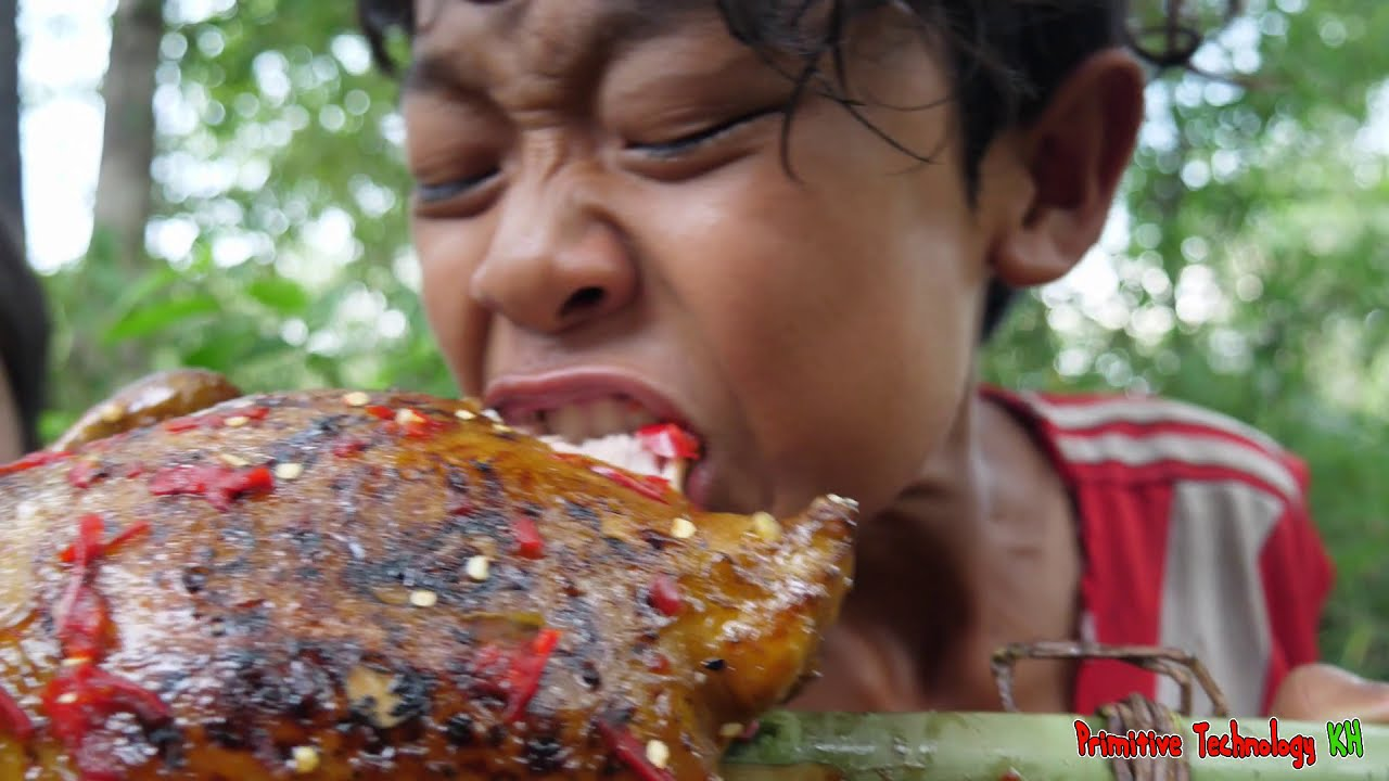 Primitive Technology - Eating Delicious In Jungle - Cooking And Toast Big Chicken #145