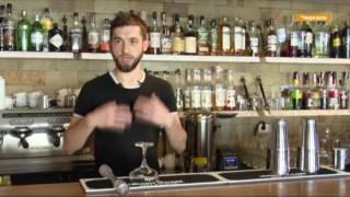 Готовит коктейли жонглируя! Самый лучший бармен Украины показал трюки флейринга