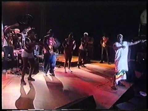 Dog Murras - Angola (Live)