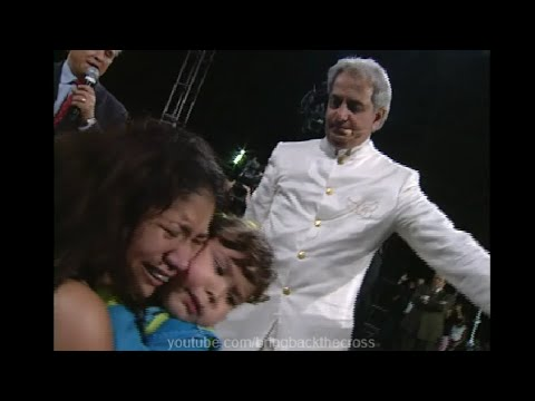 Benny Hinn - Paralyzed Woman Healed