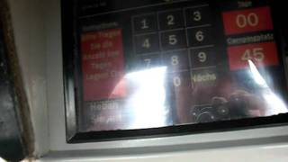 Ein Automat an einem Zeltplatz am Grand Canyon - Beste Übersetzung ins Deutsche EVAR(Am Grand Canyon, wenn man an den South Rim vom Highway 40 kommt, am ersten Zeltplatz. Bezahlen muss man da am Automaten und dieser bietet auch an, ..., 2011-10-06T15:05:03.000Z)