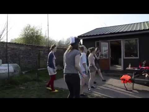 Behind The Scenes - Actie: What Does The Fox Say