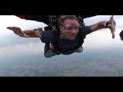 Tom's First Skydive!