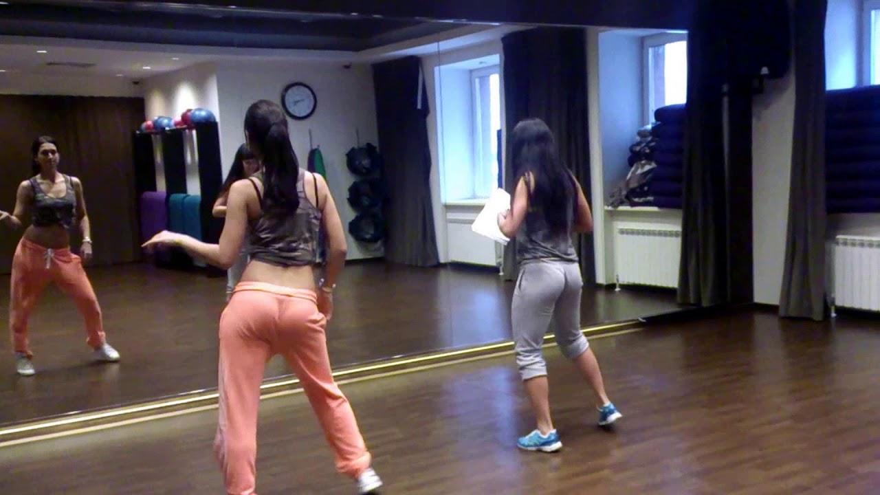 Латинки танцуют откровенные танцы смотреть онлайн