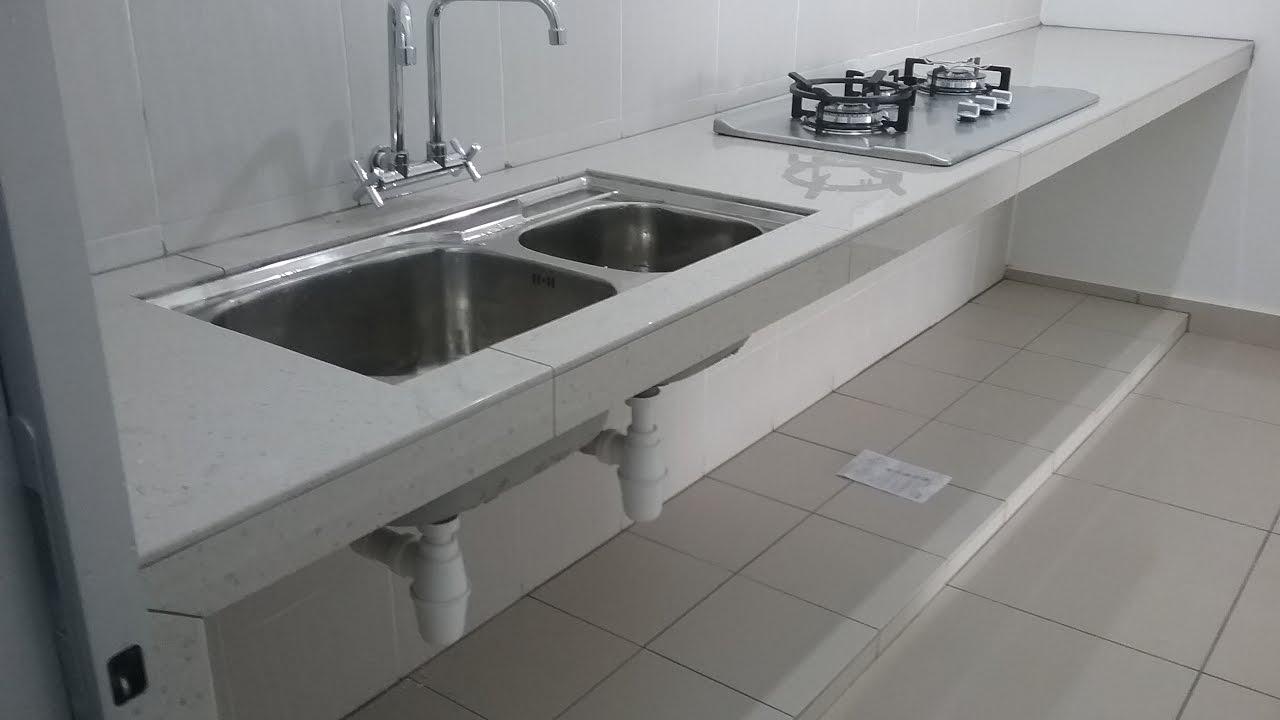 Table Top Ukuran Panjang 14kaki Tile Warna Putih Bentuk Lurus Di Simfoni Bandar Teknologi Kajang