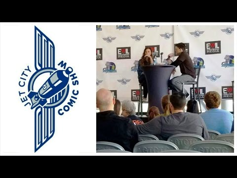 Q&A Session - Aly Michalka (Jet City Comic Show 2016)