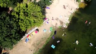 Ardèche : Vidéo aérienne du camping La Roubine à Vallon Pont d'Arc...