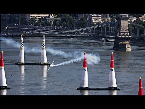 High Speed Air Racing in Budapest - Red Bull Air Race 2015