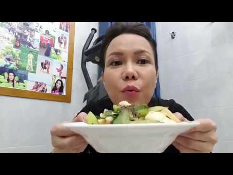 Việt Hương ăn ớt như két mà hết con mực bằng cái bàn ... Ủi