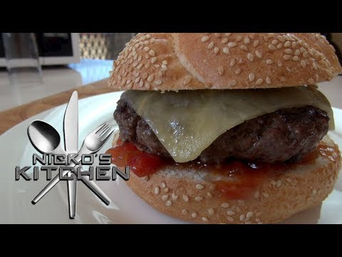 Here's How To Cook An Egg INSIDE Of A Burger. You Won't Regret It. | HuffPost Life