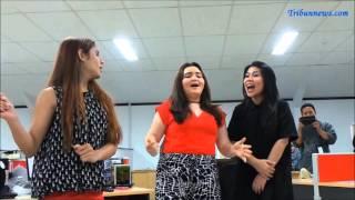 Para Juara X Factor Indonesia 2015 Nyanyikan Lagu Flashlight di Kantor Tribunnews