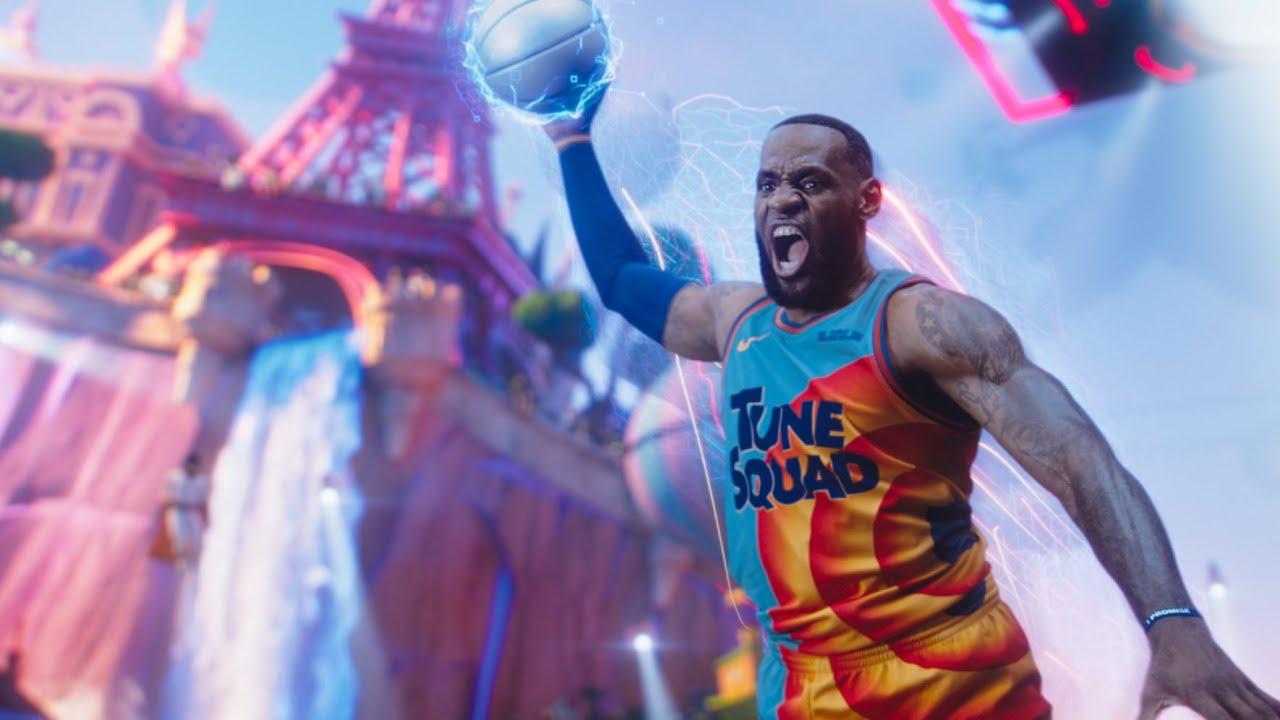 """Novo """"Space Jam"""" traz LeBron James jogando basquete com a turma animada dos Looney Tunes"""