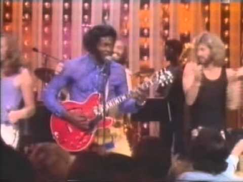 Bee Gees Chuck Berry Johnny B Goode (Live At Midnight Special 73).mpg