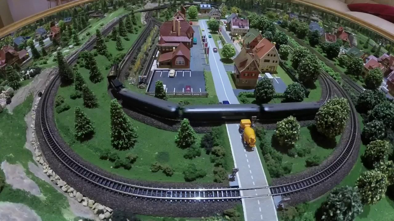 Z Gauge Coffee Table Train Layout A German Village