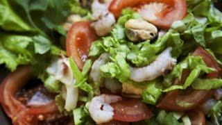 Японский салат с морепродуктами