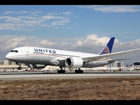 United Airlines Boeing 787-8 Dreamliner [N26906] Pushback, Taxi, and Takeoff