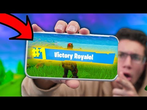 HOW TO PLAY Fortnite Battle Royale ON YOUR PHONE!
