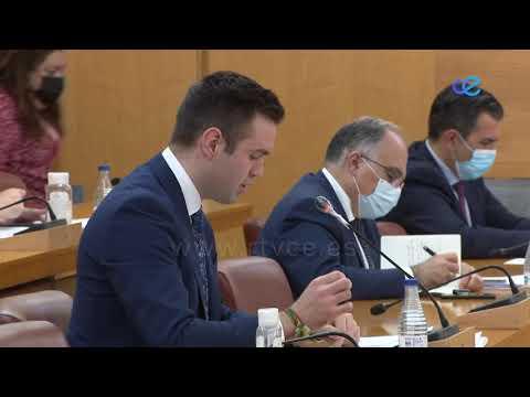 La Asamblea rechaza modificar la ordenanza de pesca con caña como planteaba Vox