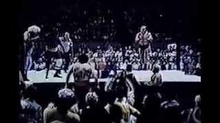Super Destoyer & Johnny Valentine vs Sonny King & Swede Hanson