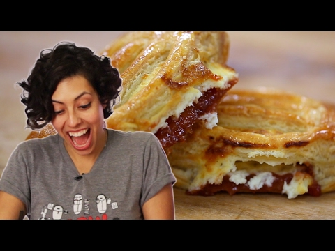 Latinos Try Cuban Guava and Cheese Pastries