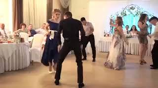 Самые лучшие пьяные танцы на свадьбе.