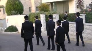 Shira Chadasha Boys Choir Menucha V