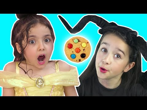 CHOCOLATE COOKIE PRANK | MALEFICENT VS BELLE | Magic Tricks | Princesses In Real Life | Kiddyzuzaa