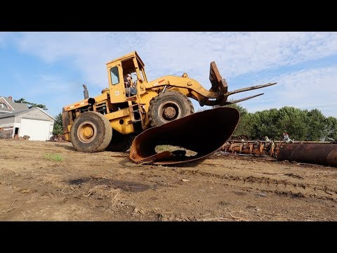 SMASHING Old Farm Equipment