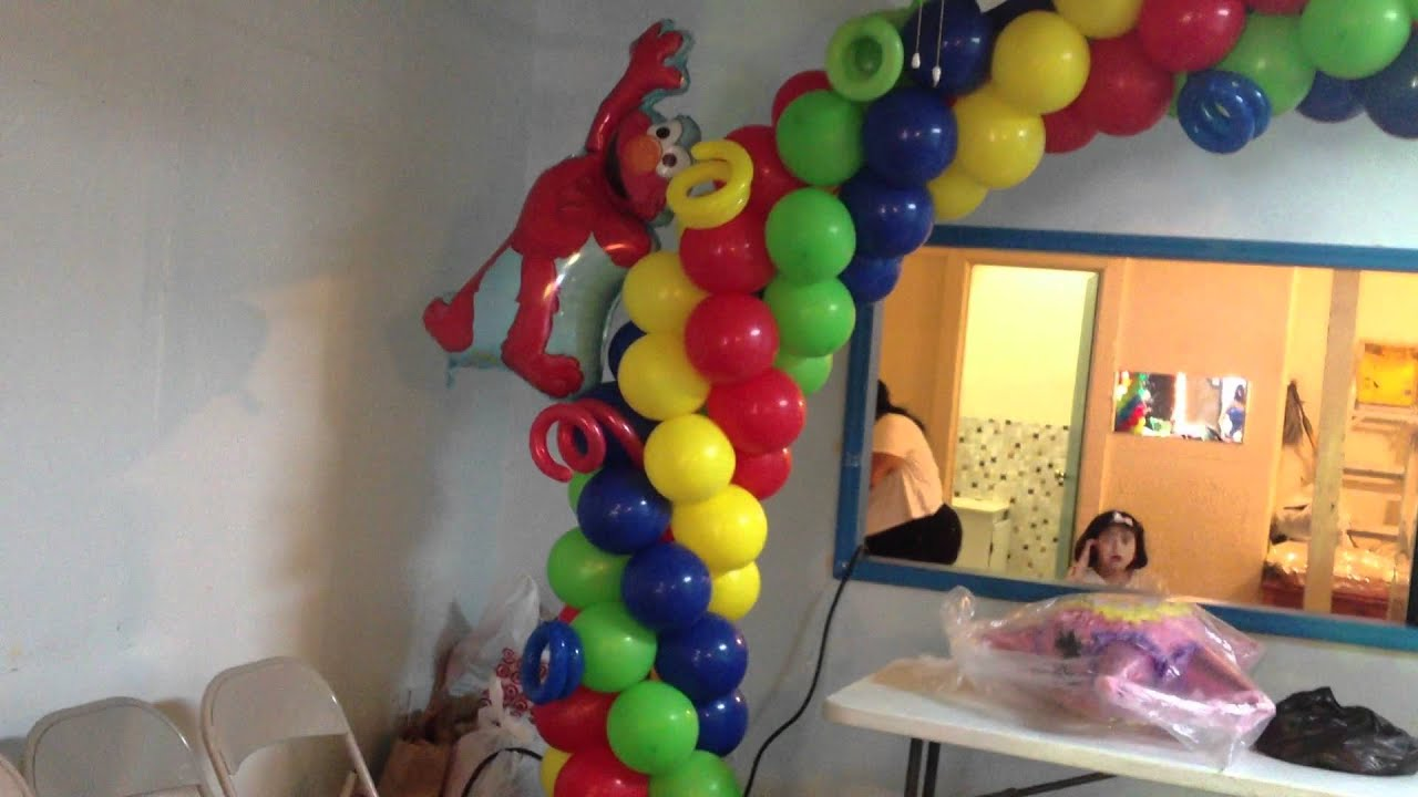 Decoracion con globos de elmo youtube for Decoracion con globos