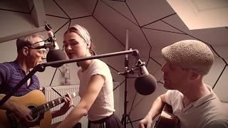 PRAG (feat. Josephin Busch) - Der Moment (akustisch @FluxFM)