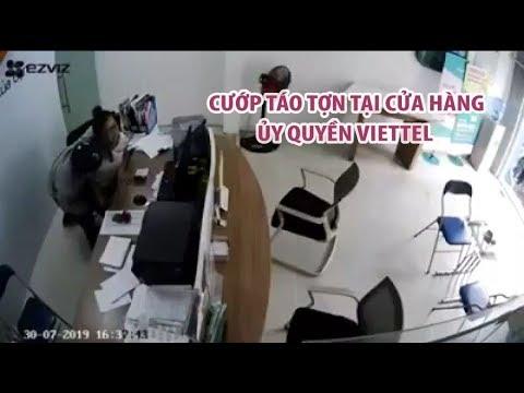 Hình ảnh vụ cướp táo tợn tại cửa hàng ủy quyền Viettel ở TP HCM